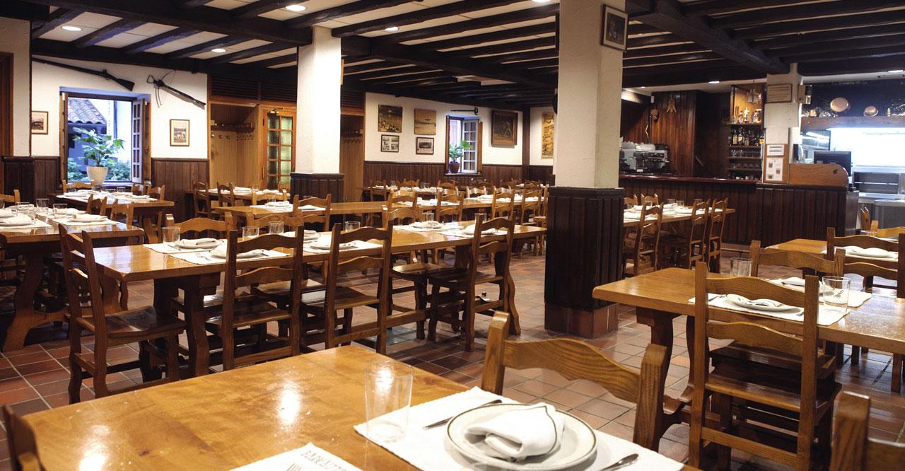 Comedor - Restaurante - Barkaiztegi Tolare Sagardotegia Restaurante ...